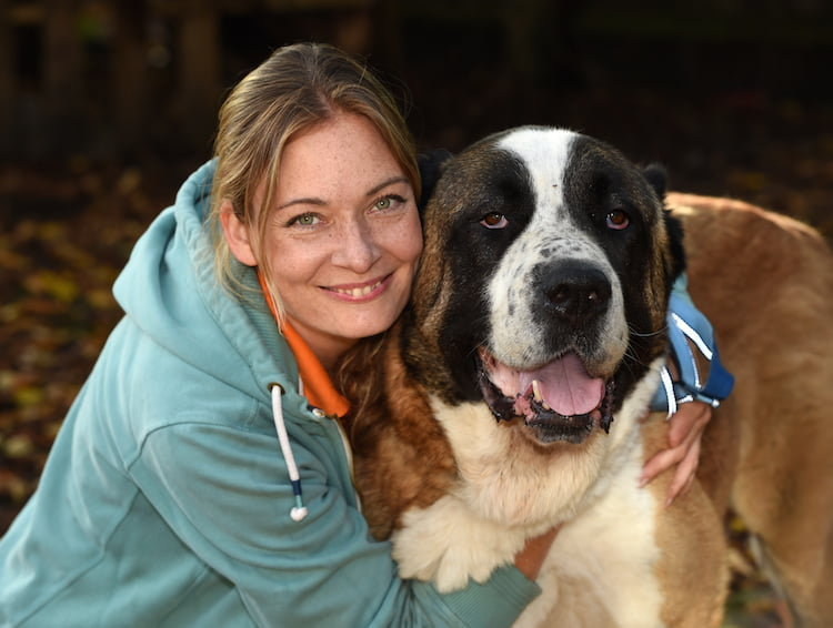Emma Billington from Dogs4Rescue talks about her cage free shelter and plans to create an adventure playground